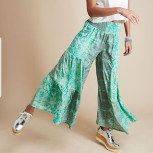 NWOT Earthbound Tiered Sari Pants Sz Large